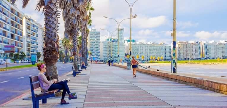 Montevidéu em março: Rambla de Montevidéu