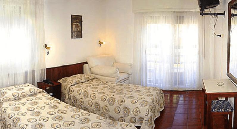Hotéis bons e baratos em Punta del Este: Hotel Dollar - quarto