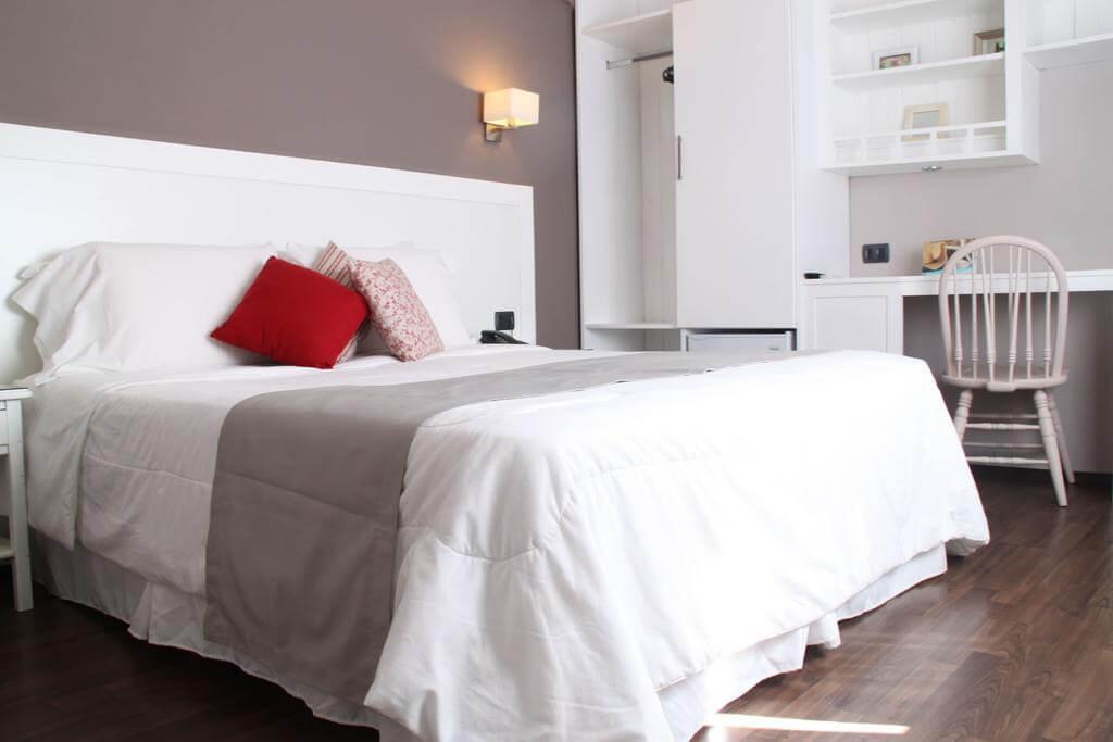 Hotéis bons e baratos em Punta del Este: Hotel Milano - quarto