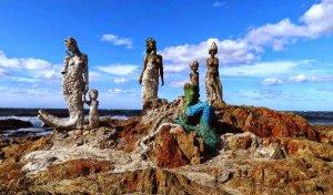 Plaza de los Ingleses em Punta del Este: escultura de sereias