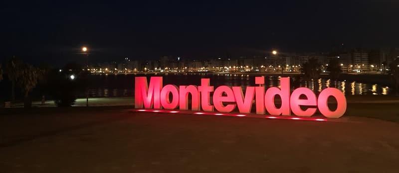 Placa de Montevidéu - Noite