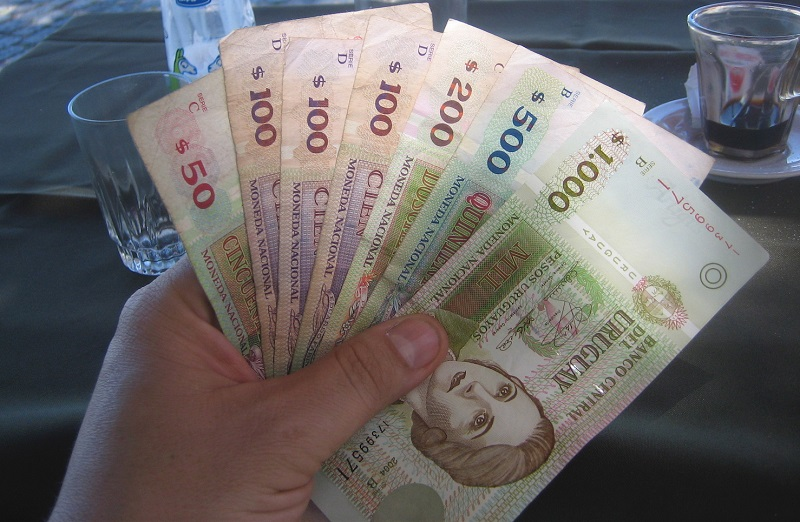 Pesos uruguaios para levar para o Uruguai