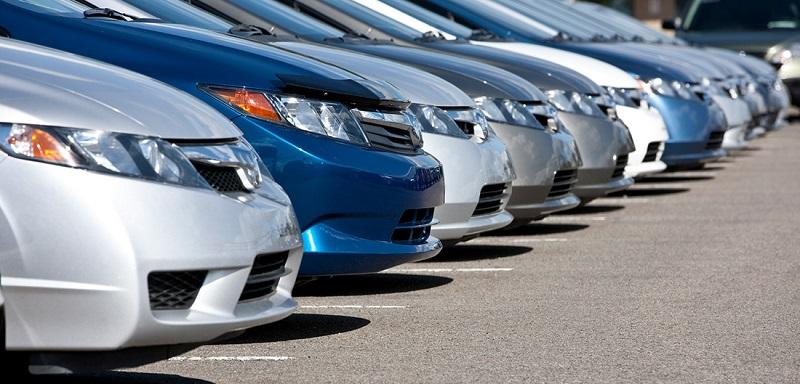 Carros de diversos modelos