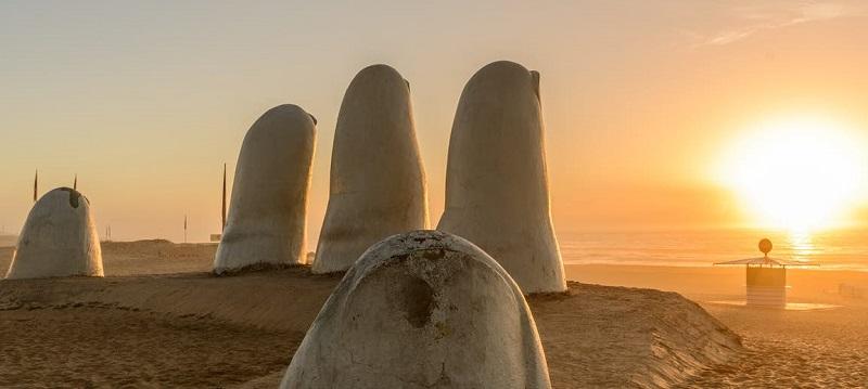 Los Dedos no Uruguai