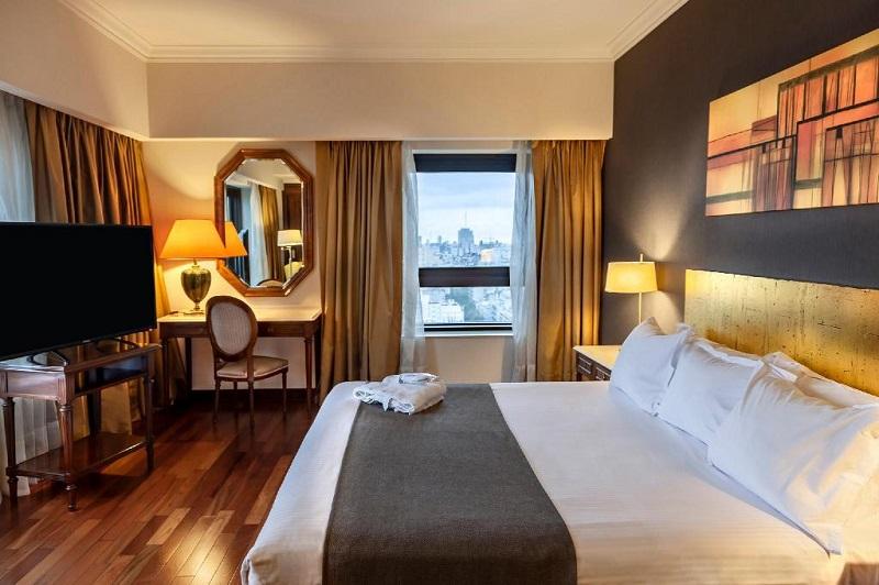 Quarto do Hotel Radisson Montevideo Victoria Plaza em Montevidéu