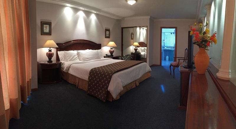 Quarto do Crystal Palace Hotel em Montevidéu