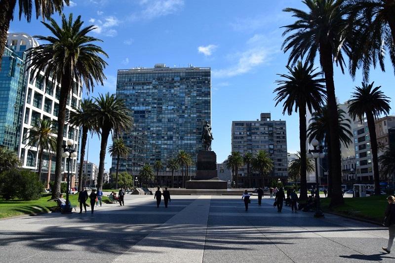Pontos turísticos do Uruguai: Plaza Independencia em Montevidéu