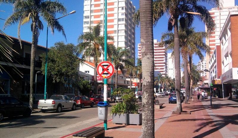 Comprar roupas no Centro de Punta del Este: Avenida Gorlero