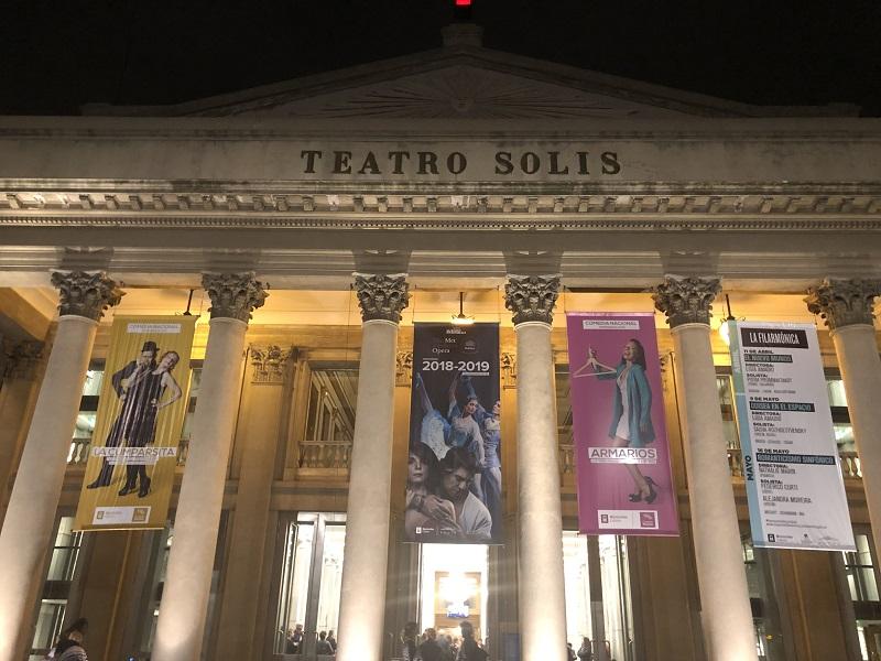 Lugar para ir no Ano Novo no Uruguai: Teatro Sólis