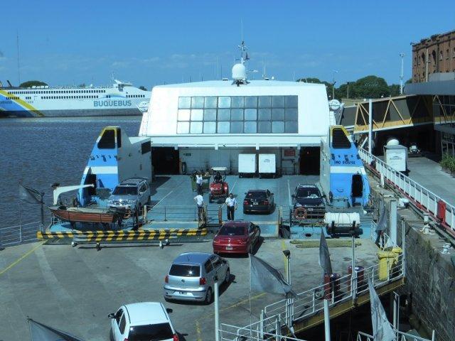 Onde comprar viagens de ferries no Uruguai
