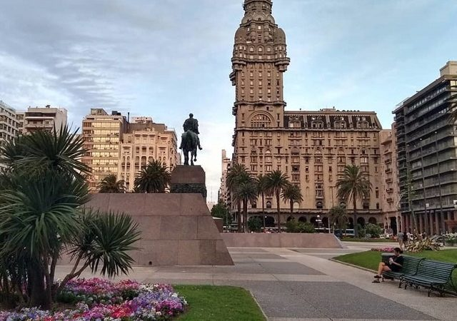 Meses de alta e baixa temporada em Montevidéu