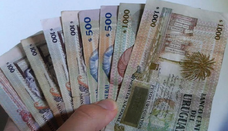 Como levar pesos uruguaios para Montevidéu
